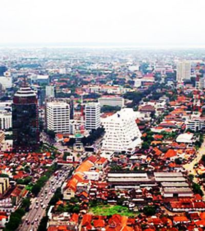 Meneropong Surabaya dari Banyak Sudut
