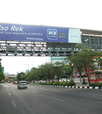 Membuat Jembatan Penyeberangan Orang di Surabaya Lebih Manusiawi