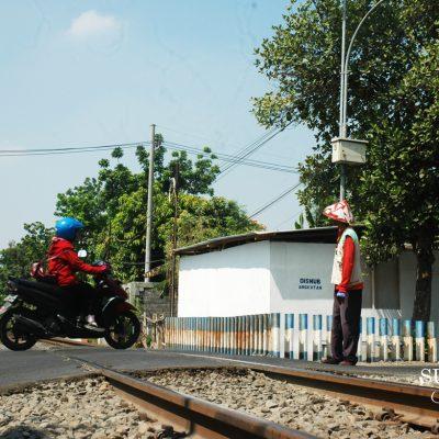 Mencegah Lintasan KA Jadi Petaka di Surabaya