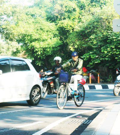 Jalur Khusus Sepeda di Surabaya yang Ambigu