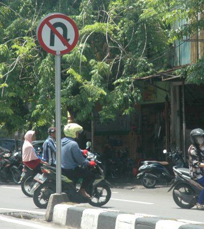 Setiap Setengah Menit, Ada Pelanggar Putar Balik di Kapas Krampung Surabaya