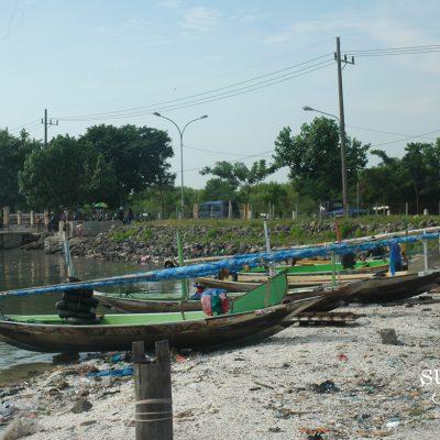 Sampah Kulit Kerang di Kenjeran Surabaya yang Tak Terselesaikan