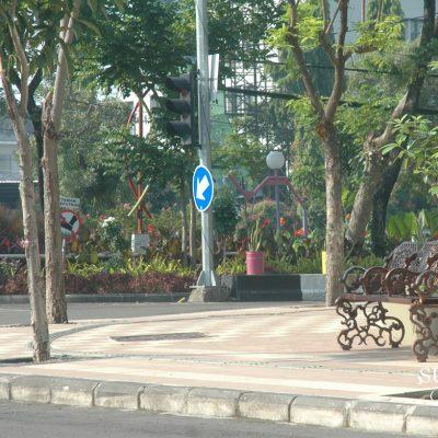 Story tentang Bangku di Sepanjang Pedestrian Surabaya