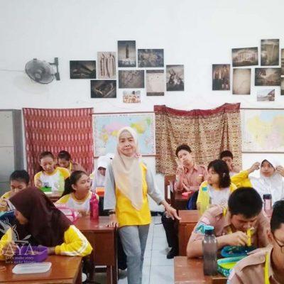Siswa Sekolah Baru Masuk Setelah Lebaran