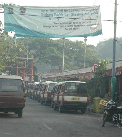 Sopir Angkot dan Penumpang di Surabaya Wajib Pakai Masker