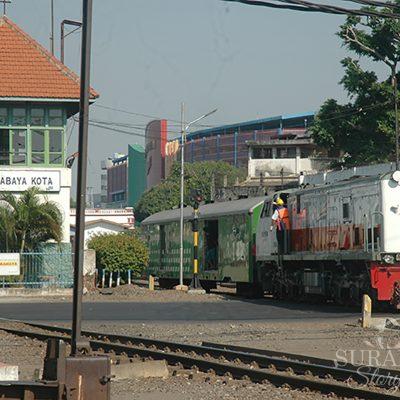 Kereta Api Lokal yang Beroperasi di Surabaya Tinggal 16 Rute