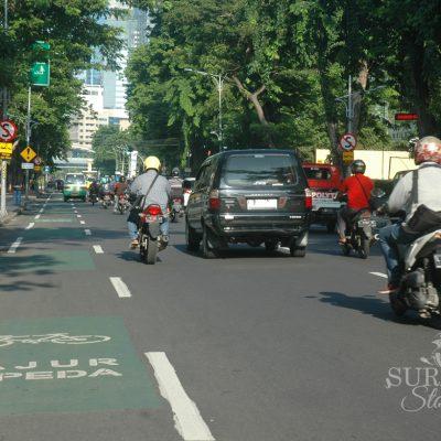 Pesepeda Surabaya Melimpah Lajur Khusus Sepeda Ditambah